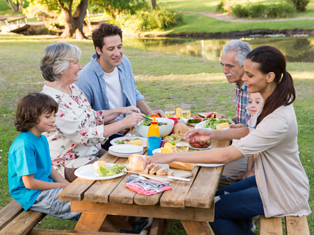 5 ways to reconnect with family this summer_photo1